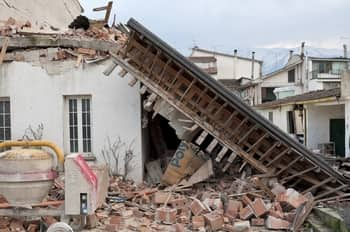 The Best and Worst Places to Be During an Earthquake