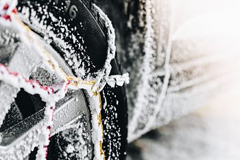 choosing snow chains