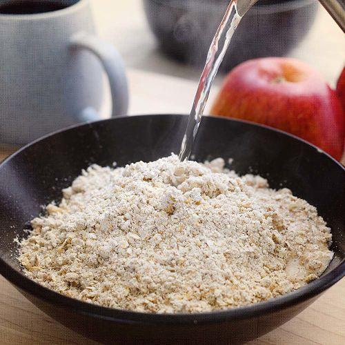Hearty Apple Cinnamon Oatmeal